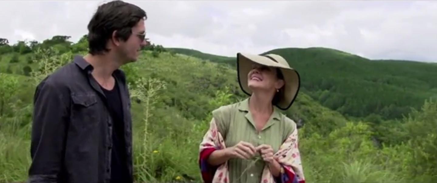 Adriana Esteves e Vladimir Brichta em cena de