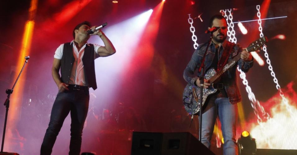 23.jun.2015 - Zezé di Camargo e Luciano apresentam a turnê