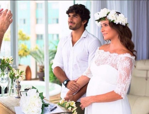 Deborah Secco compartilha foto de seu casamento com Hugo Moura