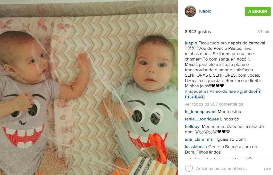 21.12.2015 - Luana Piovani mostra os filhos gêmeos, Liz e Bem, em sua conta do Instagram
