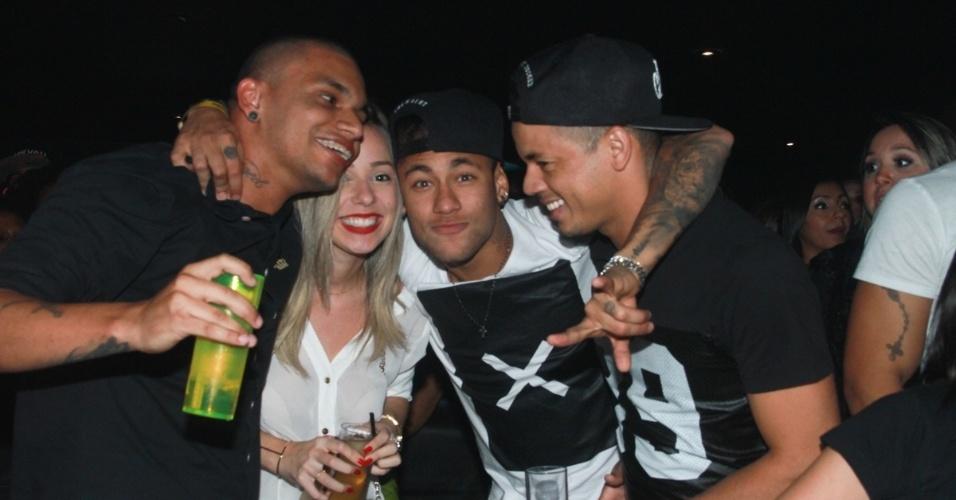 16.jul.2015 - Neymar curte o show