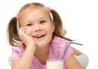 """Canudinho """"mágico"""" identifica quantidade de açúcar em bebida de crianças - 123RF/Reprodução"""