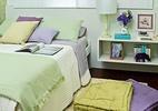 Móveis reformados, iluminação planejada e cores transformam quarto (Foto: Levi Mendes Jr./Revista Minha Casa)
