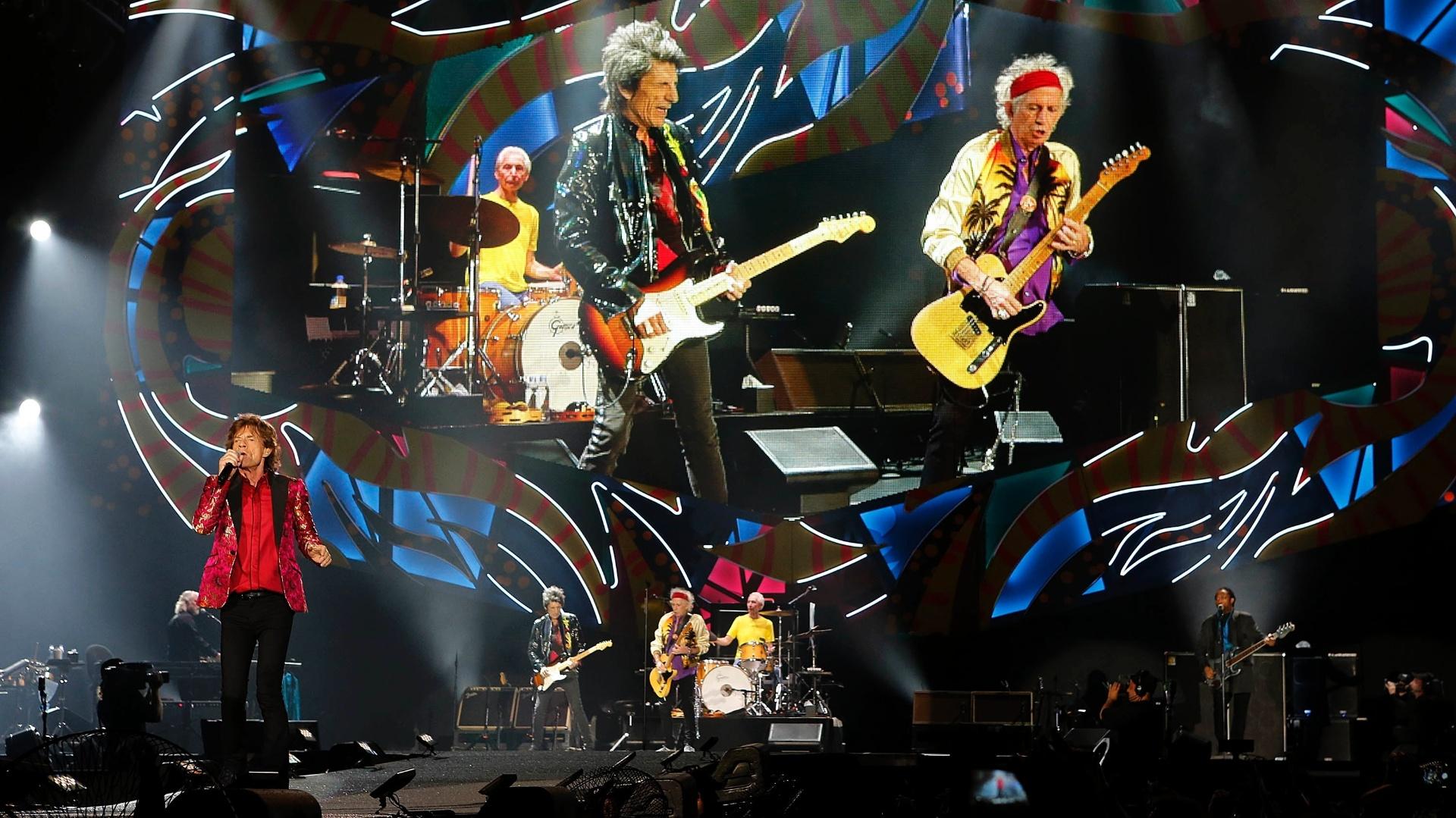 20.fev.2016 - Mick Jagger e sua banda Rolling Stones se apresentam no estádio do Maracanã, no Rio de Janeiro, neste sábado