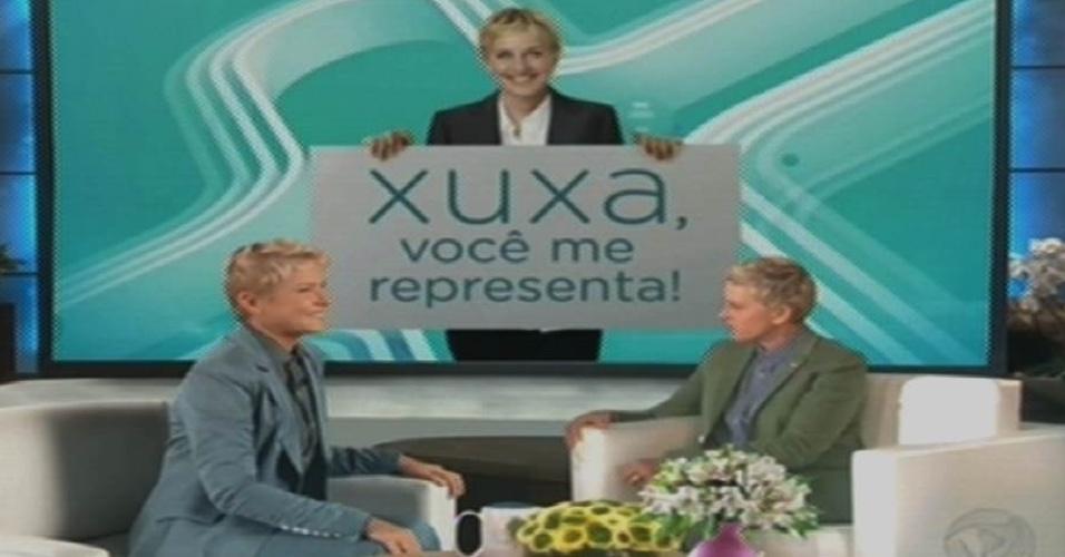 17.ago.2015 - Em um vídeo-montagem, Xuxa é entrevistada pela apresentadora norte-americana Ellen Degeneres na estreia do programa