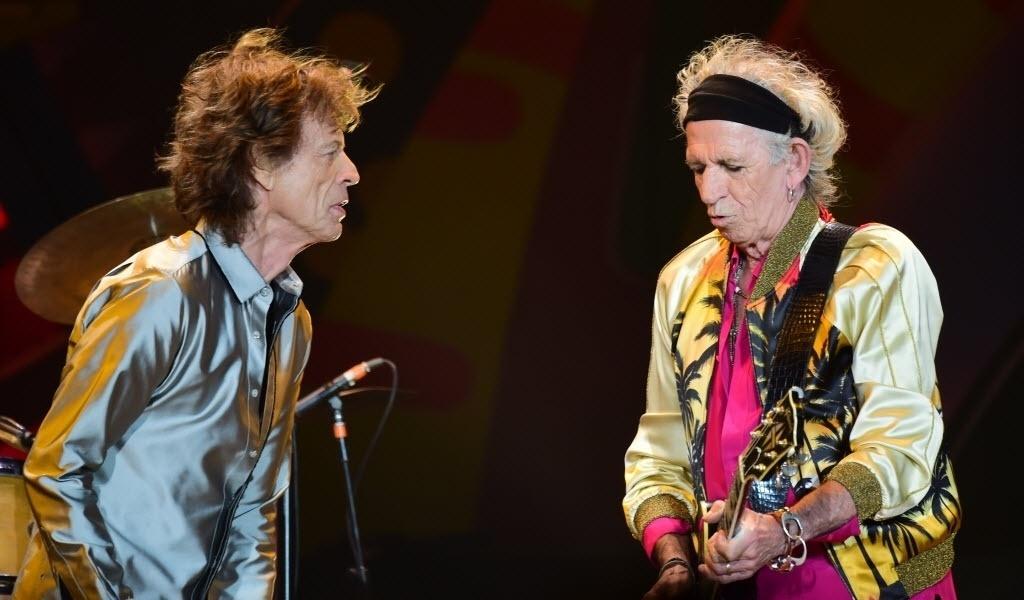 3.fev.2015 - Mick Jagger e Keith Richards se apresentam no Estádio Nacional, no Chile, no primeiro show da turnê Olé, na América Latina