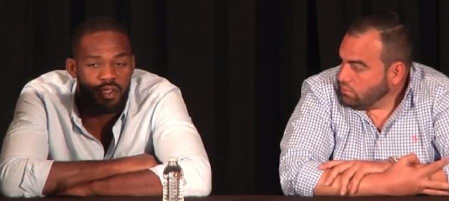 Jon Jones dá coletiva de imprensa para explicar caso de doping