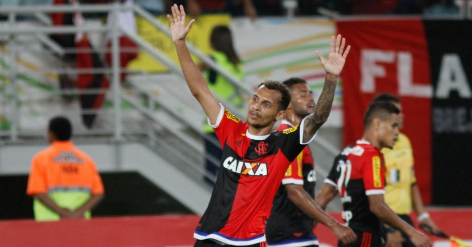 Alan Patrick abre o placar para o Flamengo contra o Avaí