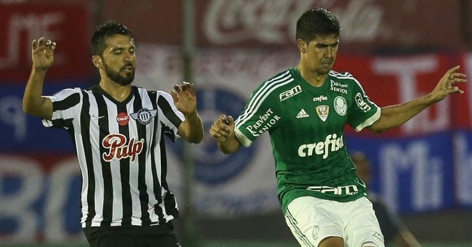Leandro Almeida ganhou uma chance no time titular do Palmeiras após Vitor Hugo ser poupado