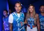 Primeiras-damas do ataque do Flamengo fazem rara aparição em camarote