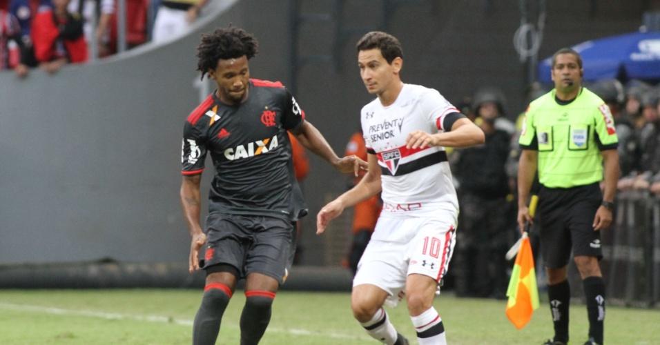 Rafael Vaz marca Paulo Henrique Ganso no empate entre Flamengo e São Paulo