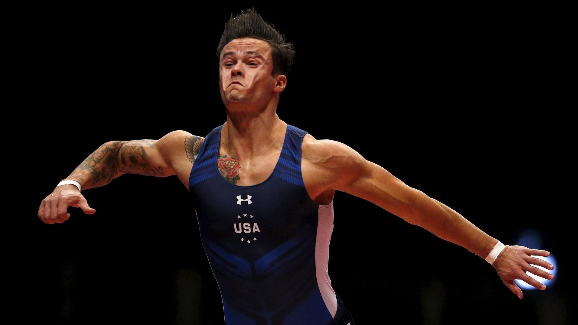 Paul Ruggeri, ginasta americano, se apresenta na eliminatória do Mundial de ginástica artística em Glasgow, na Escócia