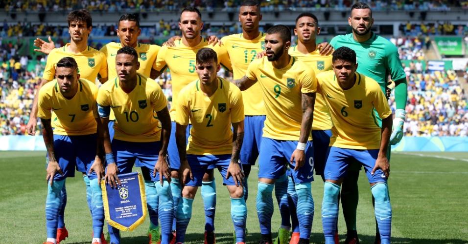 Brasil repetiu formação dos últimos dois jogos nesta semifinal