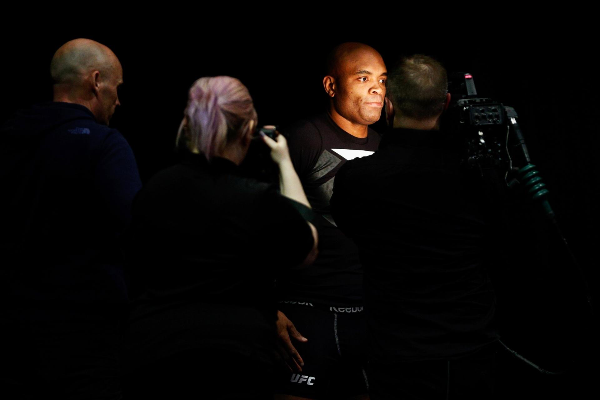 Anderson Silva se prepara para enfrentar Michael Bisping no UFC em Londres