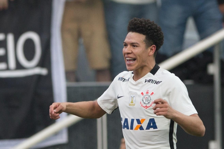 Marquinhos Gabriel comemora gol marcado para o Corinthians contra o Botafogo