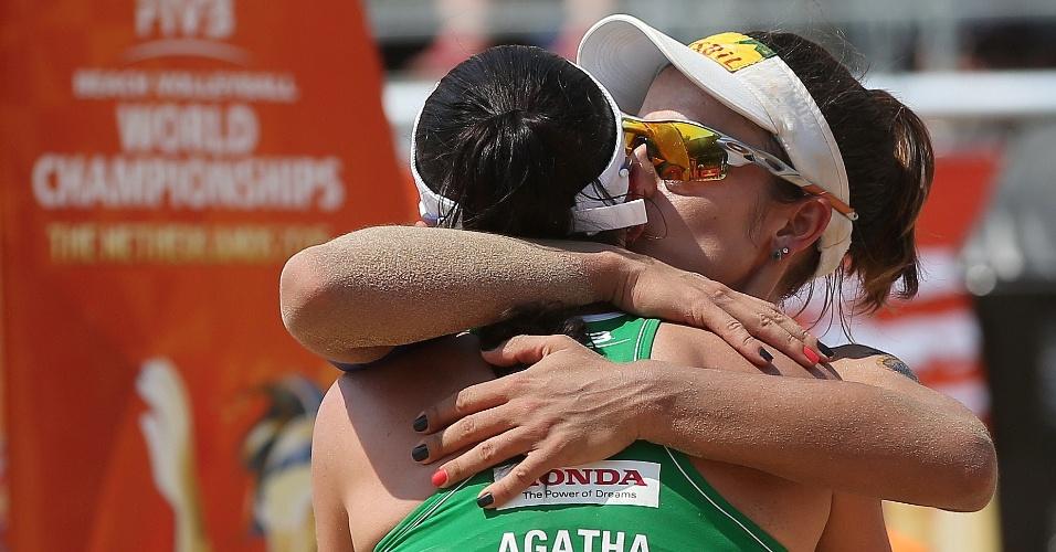 Agatha e Bárbara Seixas comemoram classificação às quartas de final