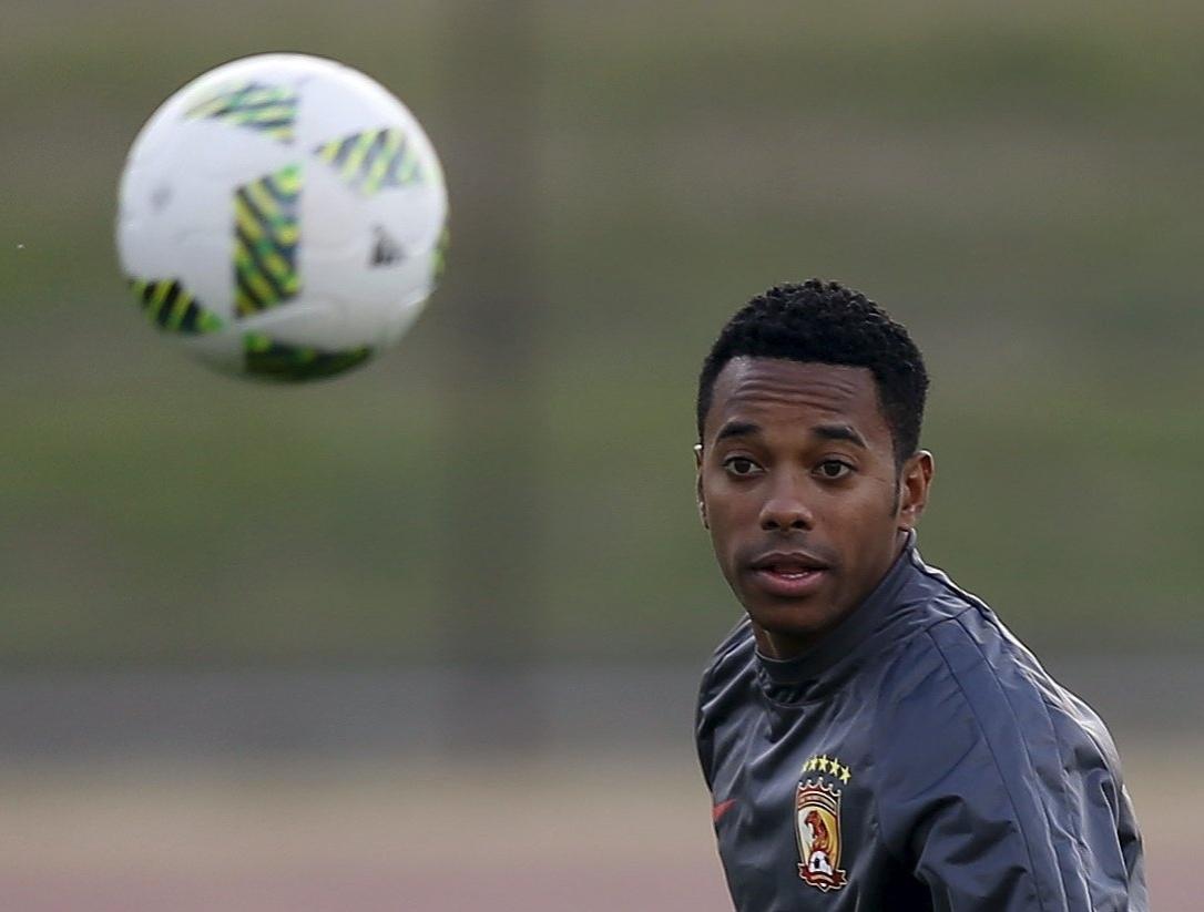 Robinho sequer foi relacionado para a partida entre Sanfrecce Hiroshima e Guangzhou Evergrande