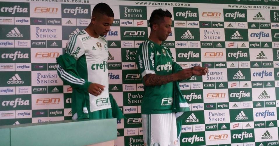 Gabriel Jesus e Lucas Barrios foram os escolhidos para realizar evento no Palmeiras