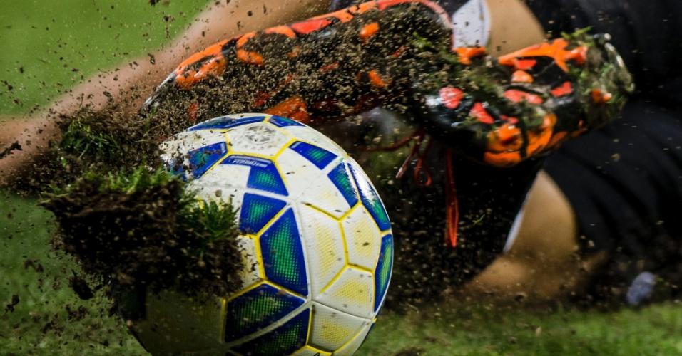 02.dez - Lance durante segundo jogo da final da Copa do Brasil, disputado por Palmeiras e Santos, no Allianz Parque, na capital de São Paulo