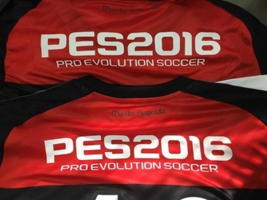O Flamengo vai estampar a marca do game PES 2016 na camisa do time profissional
