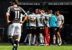 """Chateado, Cássio faz crítica à reserva no Corinthians: """"falar olho no olho"""""""