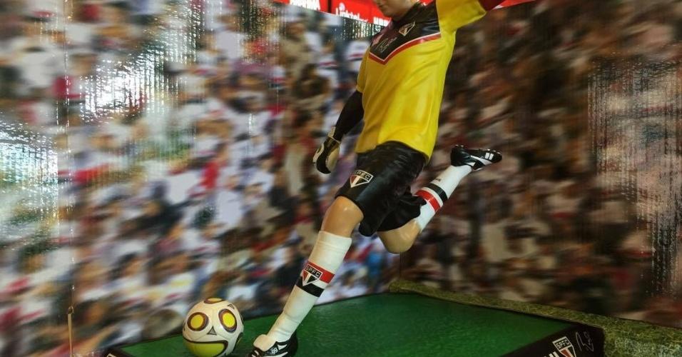 Boneco comemorativo de Rogério Ceni, sobre o centésimo gol da carreira