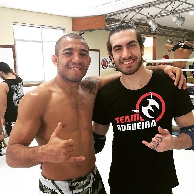 José Aldo ao lado do companheiro de treinos Jonas Bilharinho