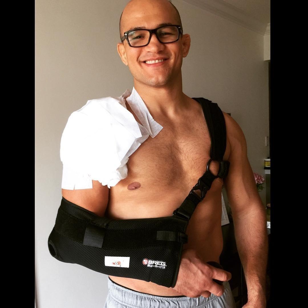 Junior Cigano passou por cirurgia no ombro
