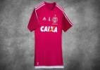 Com apenas 100 unidades, Coritiba lança camisa alusiva ao Outubro Rosa