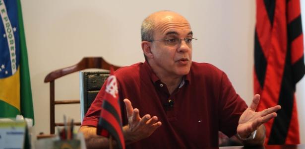 O presidente Eduardo Bandeira de Mello comanda a diretoria do Flamengo