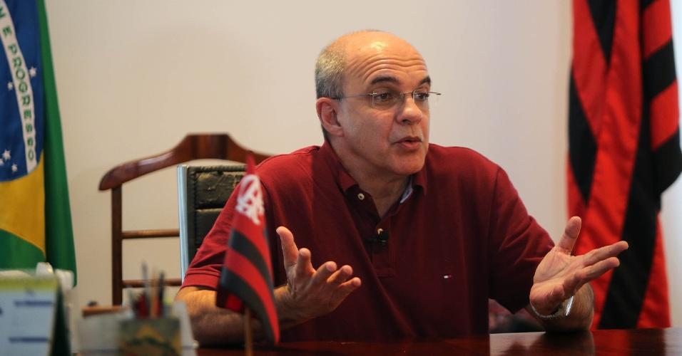 Presidente do Flamengo, Eduardo Bandeira de Mello concede entrevista ao UOL Esporte
