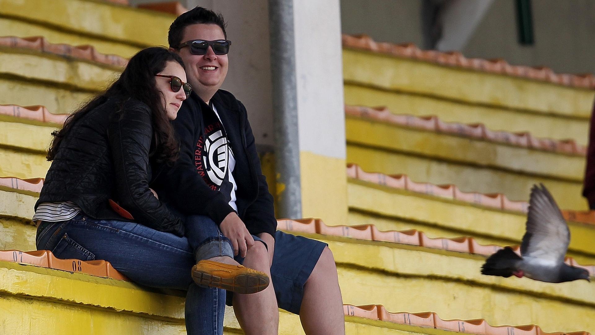 Torcida do Botafogo em estádio quase vazio