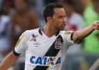 Vasco vira sobre o Fla, afasta rival do G-4 e respira contra a degola