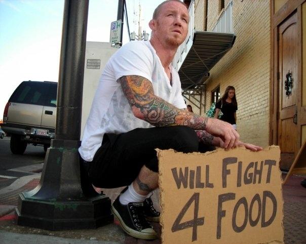 Mikey Burnett, ex-lutador do UFC, foi baleado durante tentativa de assalto nos EUA