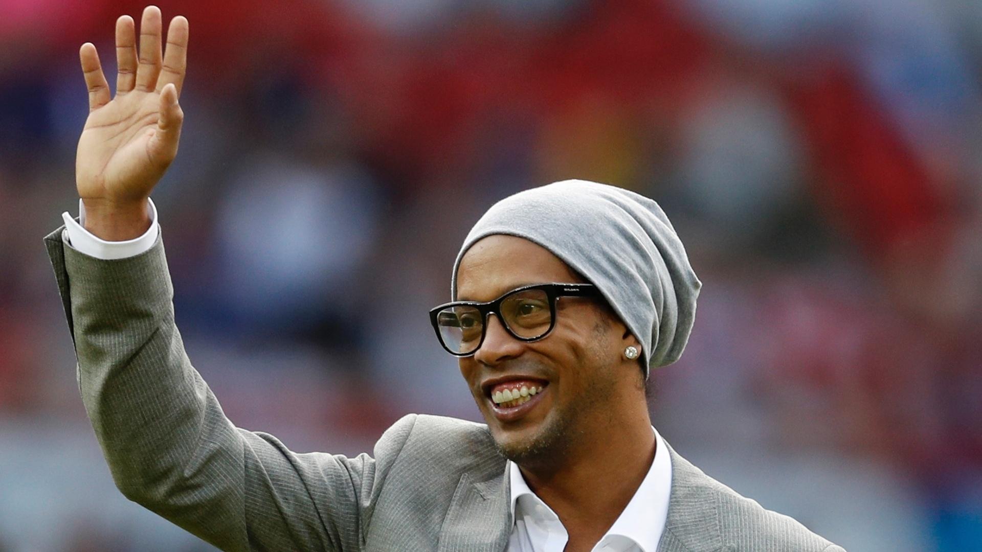 Ronaldinho antes de partida disputada na Inglaterra, no estádio Old Trafford