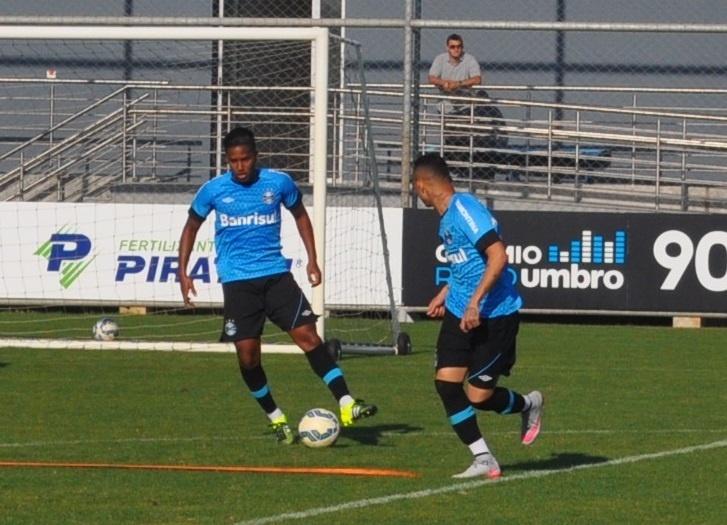 Matheus Biteco volta a treinar com bola no Grêmio