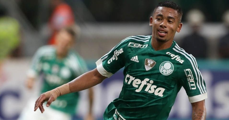 Gabriel Jesus comemora gol marcado pelo Palmeiras contra o São Bernardo