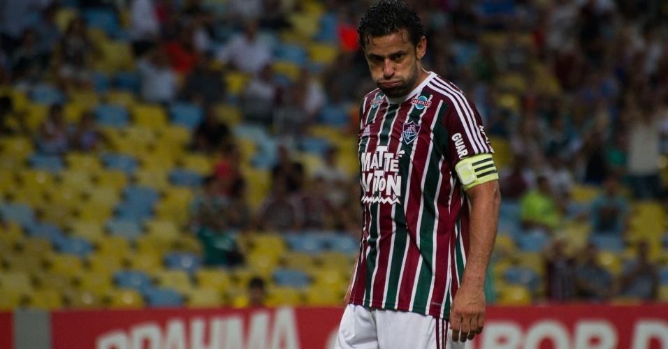 Fred se lamenta após desperdiçar jogada no confronto entre Fluminense e Palmeiras pelo Campeonato Brasileiro