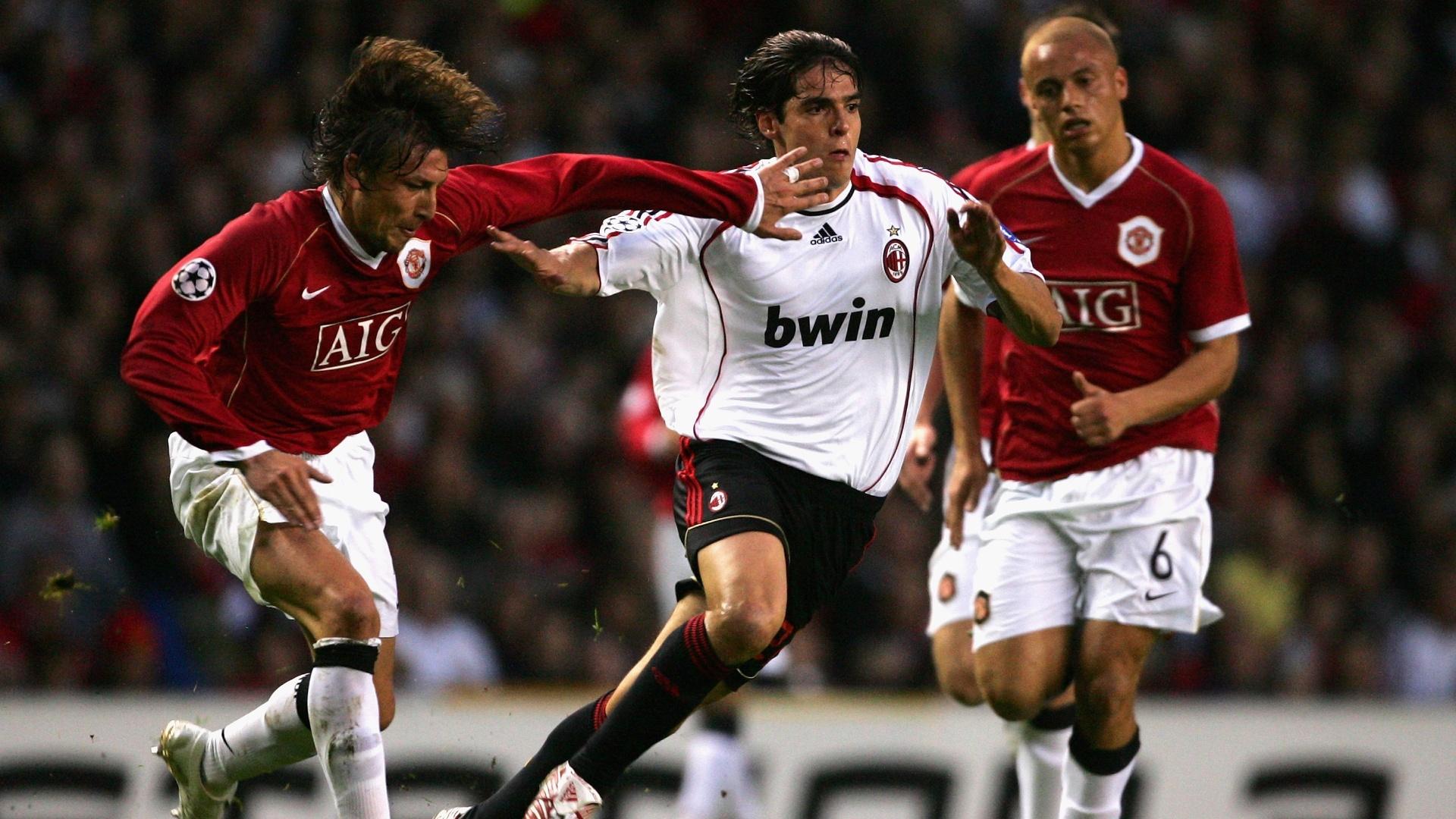 Kaká disputa com Heinze na semifinal da Liga dos Campeões de 2007