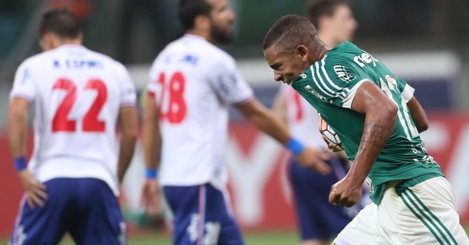 Gabriel Jesus comemora gol marcado pelo Palmeiras contra o Nacional-URU