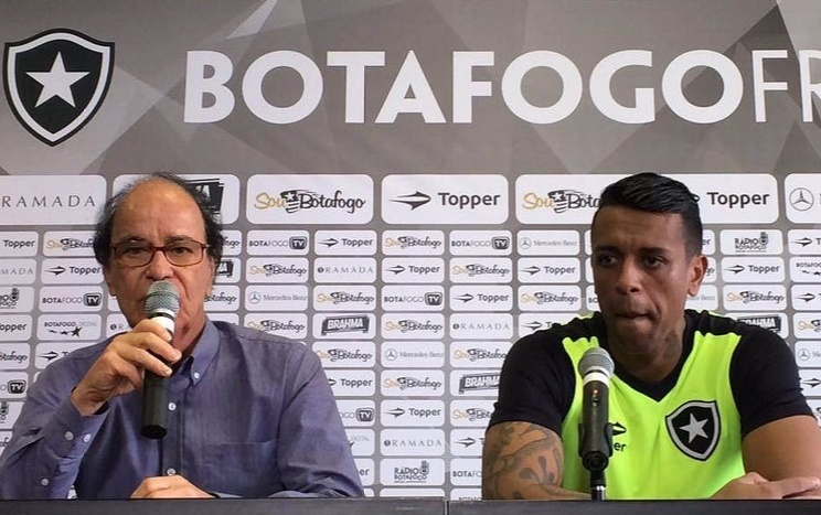 Lopes apresenta goleiro Sidão, contratado pelo Botafogo após boa participação pelo Audax