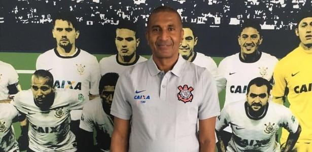 Corinthians divulgou foto no Twitter do novo treinador, Cristóvão Borges