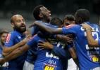 Ábila marca, Cruzeiro supera Vitória e avança às oitavas da Copa BR - Washington Alves/Light Press
