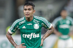 http://imguol.com/c/esporte/20/2015/10/01/dudu-teve-boa-atuacao-diante-do-internacional-pela-copa-do-brasil-1443669563643_300x200.jpg