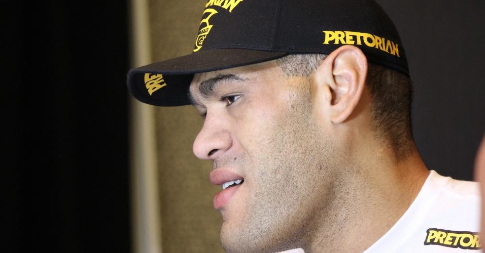 Pezão dá entrevista antes do UFC 160