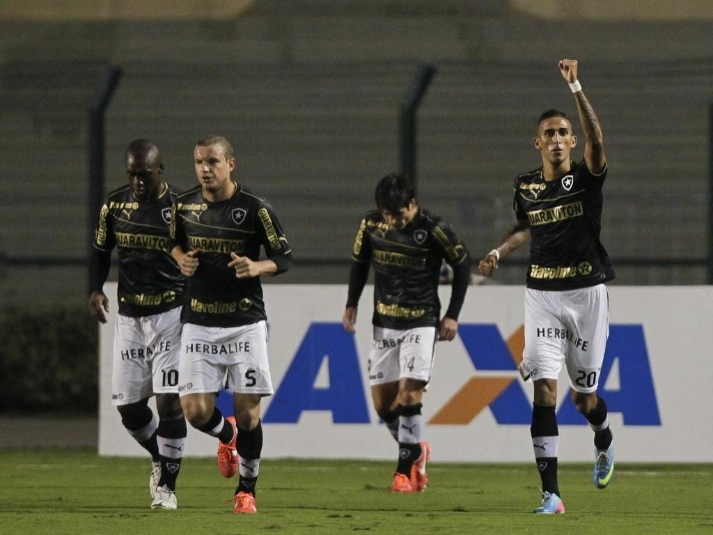 http://imguol.com/c/esporte/2013/05/25/25mai2013---rafael-marques-dir-comemora-gol-marcado-pelo-botafogo-na-partida-contra-o-corinthians-no-pacaembu-pelo-campeonato-brasileiro-1369529765927_1024x768.jpg