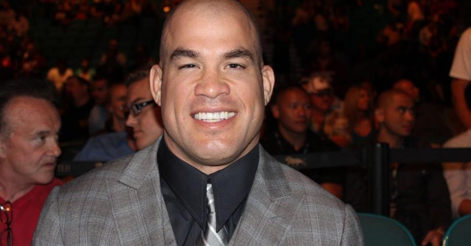 25.mai.2013 - Tito Ortiz escolheu um look social para marcar presença no UFC 160