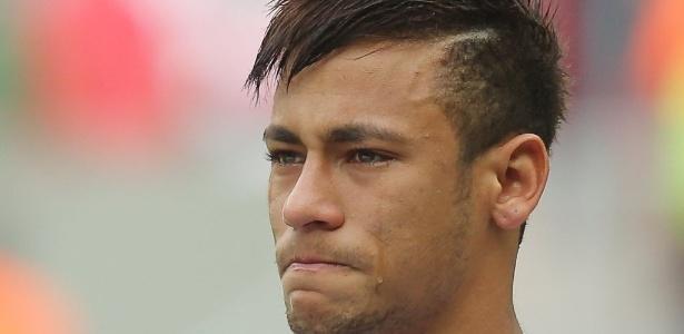 Santos não foi notificado, mas acredita que multa trata-se da saída de Neymar em 2013