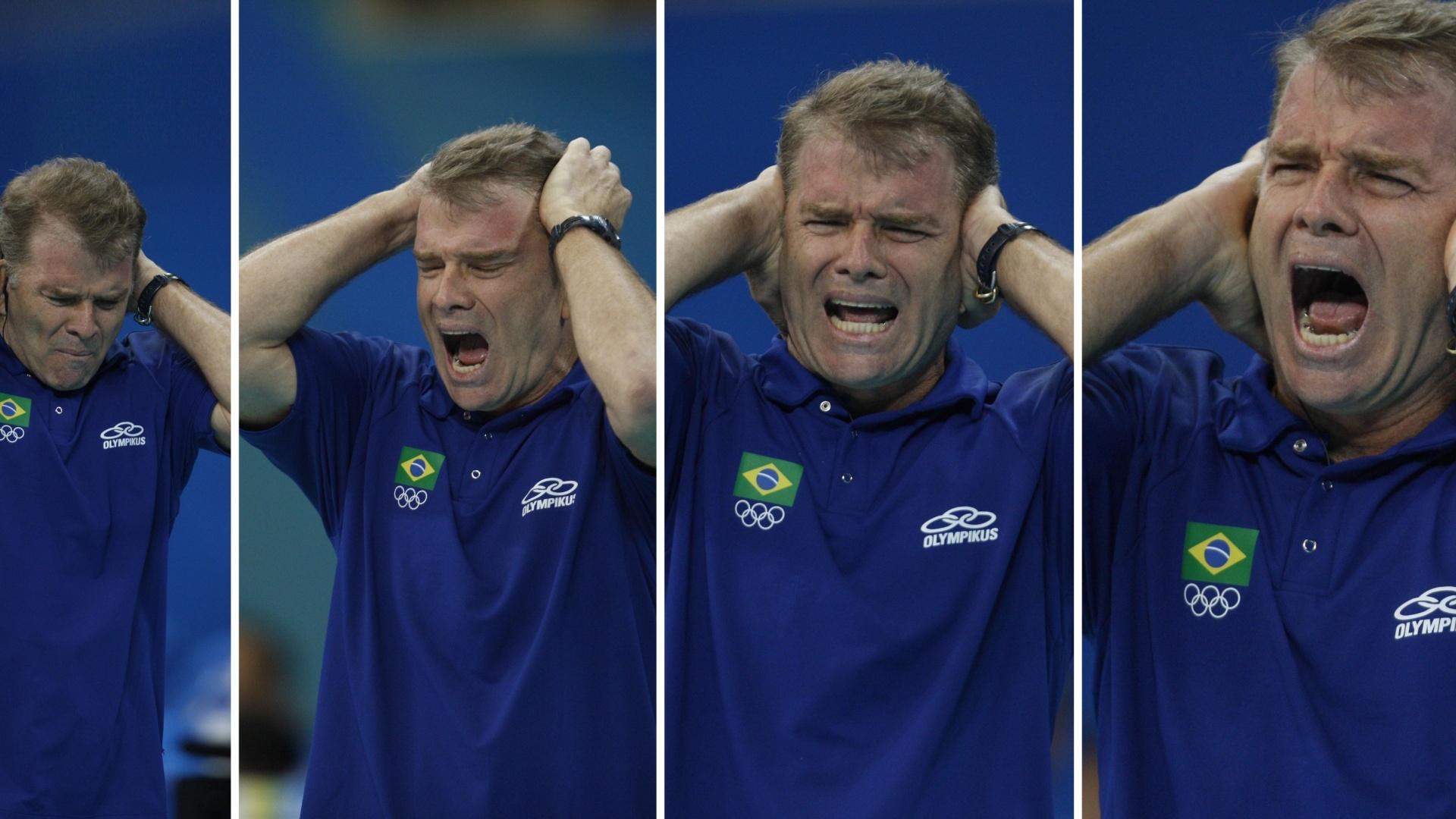 14.08.2008 - Sequência de fotos mostra reações de Bernardinho durante o jogo da seleção brasileira masculina de vôlei contra a Rússia pelos Jogos Olímpicos de Pequim