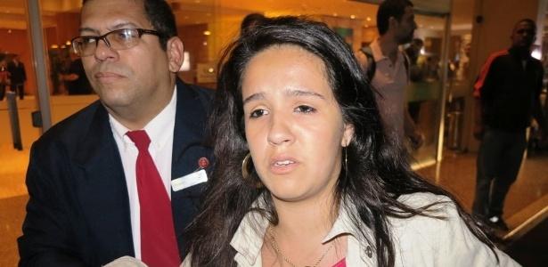 """Renata, de 15 anos, foi uma das """"líderes"""" da invasão do hotel, que criou um tumulto na chegada de Neymar"""